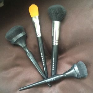 2 Morphe/2 BoxyCharm makeup brushes